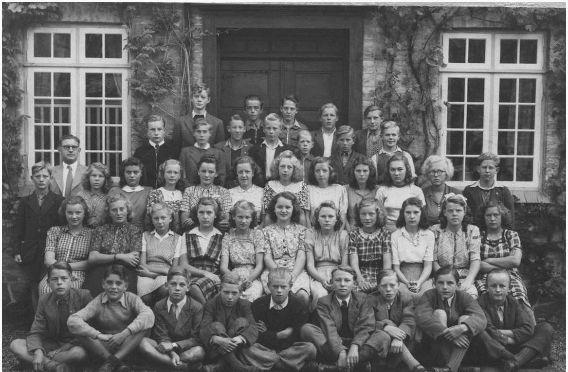 Dalum-Kirkes-konfirmandhold-1946-Efterår-Tove-Esther-Kringelum